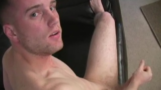 Uncut str8 guy jacks off
