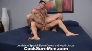 He rides that cock