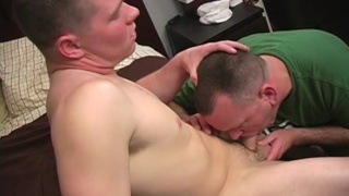 Str8 guy's first gay blowjob