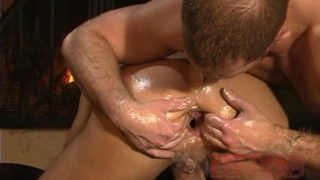 Gorgeous Hunk Gets His Hole Fisted