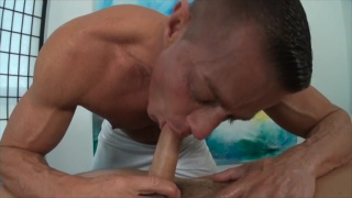 Big Muscle ass & surprise massage fuck