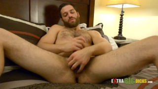 Tommy Defendi jacking off