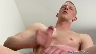 Dave Reynolds jacking his big dick