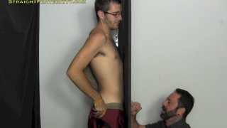 str8 guy with glasses get deep-throat blowjob