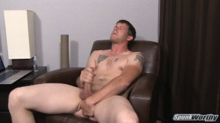 gene fingers his hole while jacking