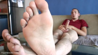Enzo Mark shows his feet and 8 incher