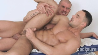 muscled masseur fucks his client on massage table