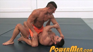 guarda il video: Macho Nacho and Joey can Damme