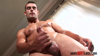 ripped stud thor beats off
