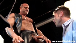 leather muscle daddy face fucks young lad