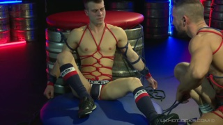 muscle daddy ties up spanish lad with red rope