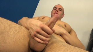 bald czech hunk strokes off in the gym