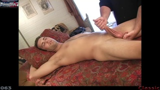 kip blows his wad in a handjob massage