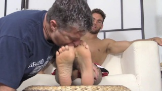 Dominant Foot Master Chase
