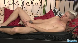 bleach-blond titus snow jerks his dick