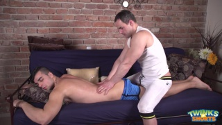 joel Vargas gets serviced by his masseur