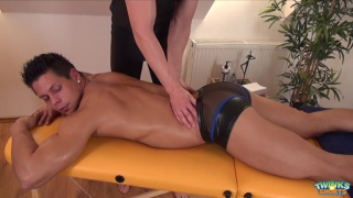 beginner masseur shoots cum on his hunky client