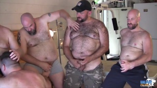 andrew mason and steve ellis in 5-bear orgy