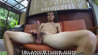 Horse-hung Hawaiian Kurt strokes his 9 inches