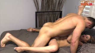 guarda il video: muscle stud michael evans fucks a girl