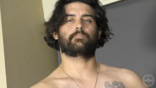 bearded stud Thomy makes a JO video