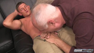 guarda il video: Avery serviced by Jake Cruise)
