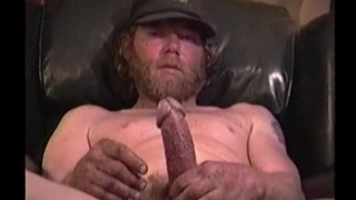 bearded redneck Lee Bond strokes off
