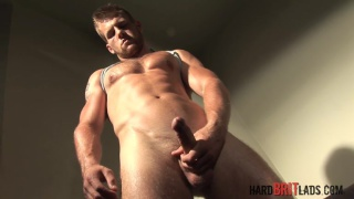 straight muscle hunk david jones jerks off