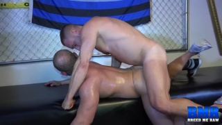 Daxton Ryker gets fucked bare by Hans Berlin