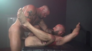 Collin O'Neal bare fucks Sean Duran