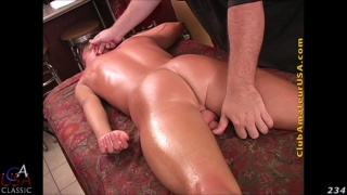 beefy hunk Quinn gets happy-ending massage