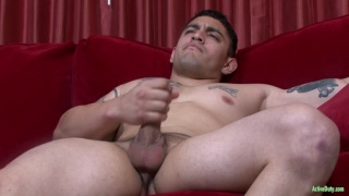 muscled soldier Flip jerks his dick