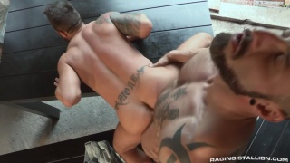 Hung Country with Martin Mazza and Antonio Miracle