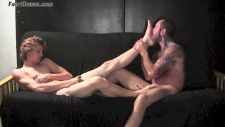 straight guy CHRIS WAYNE gets his feet worshipped