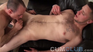 stud's first time giving a BJ to a guy