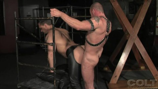 Muscles in Leather Cage Fuck