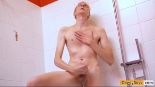 twink Andreas Nilsen gets into anal play in the shower