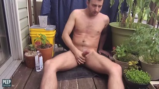 Declan does an Outdoor Piss & Jerk at PeepShow