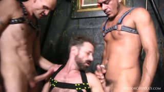 Raw Threesome Cage Fuck with cole sexton, cesar xes & sean storm