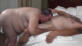 huge chub invites man over for a Blow and Go
