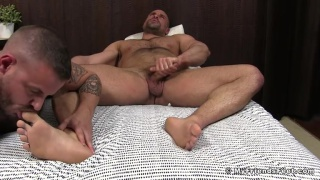 Jaxx thanatos gets his feet worshipped by his lover Sean harding