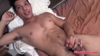 latino guy cums all over his ripped abs