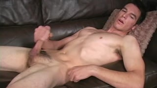Huge Cock Str8 Guy Jerks Off