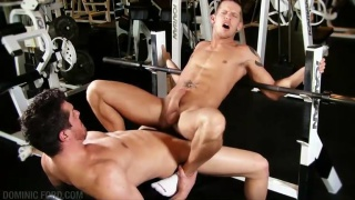 Gym Fuck: Parker London & Shane Frost
