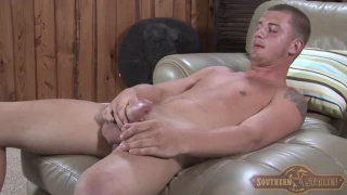 Hunter Jacks his Thick Cock