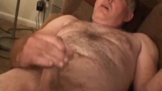 Hairy Daddy Lee Jerk Off