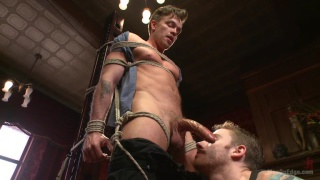 Bi hunk with an enormous cock get edged