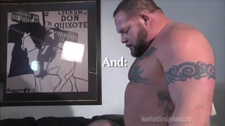 Bodybuilder BJ gets a blowjob