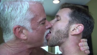 silver daddy jake marshall fucks sean storm