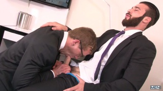 executive suite starring Jarec Wentworth and Jay Austin